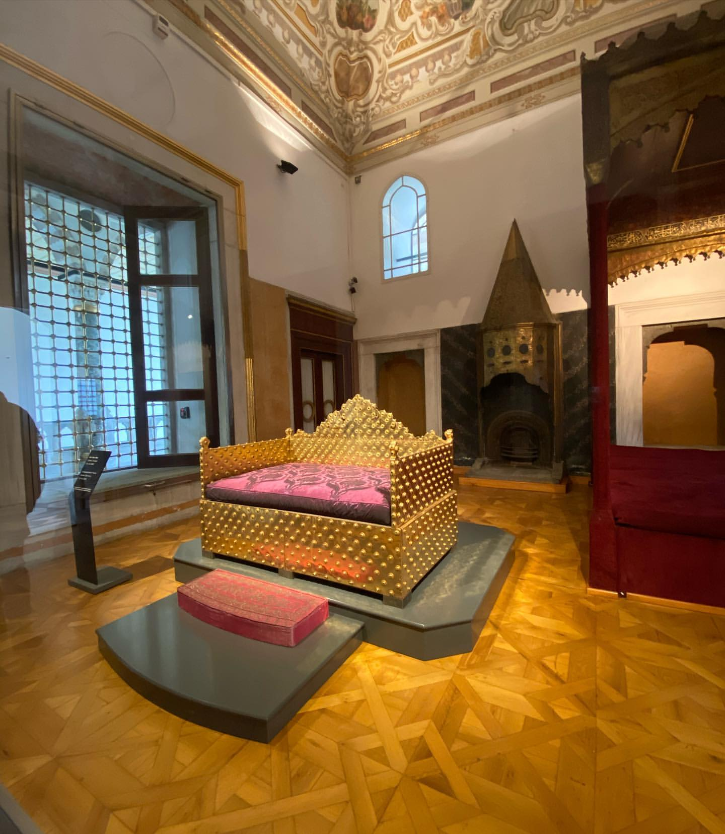 Topkapi Palace Istanbul: Detailed Travel Guide